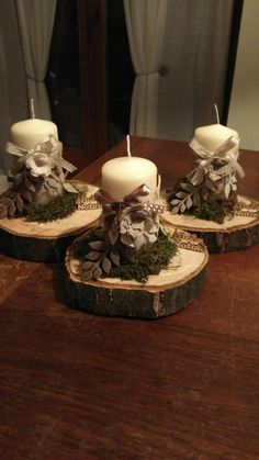 Christmas decor diy Christmas is coming soon so its time to start making some easy and fun Christmas decorations like these awesome table centerpieces Cheap Christmas, Christmas Sewing, Elegant Christmas, Diy Christmas Ornaments, Rustic Christmas, Christmas Decorations, Table Decorations, Christmas Time, Christmas Is Coming