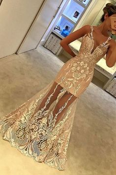 With white lace prom sleeves dress