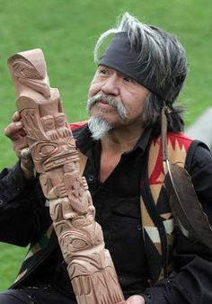 Turtle Island Native Network the best online source for Aboriginal, First Nations, Native Peoples' news and information. Native American Totem Poles, Native American Artwork, Native American History, Tiki Head, Tiki Totem, Arte Tribal, Haida Art, Tlingit, Inuit Art