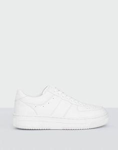 :White sneakers