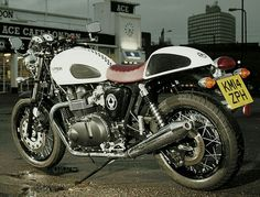 Triumph Thruxton Ace - Damn.