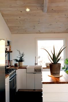 simple lovely kitchen
