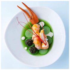 Amazing lobster dish from Swiss based 2 Michelin starred chef Rico Zandonella…