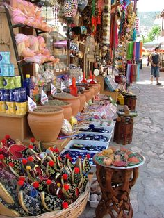 Shops in Kalkan Cool Places To Visit, Places To Travel, Places To Go, Kalkan Turkey, Naher Osten, Turkey Places, Turkey Holidays, Istanbul Turkey, Antalya