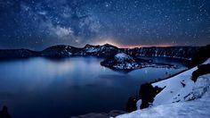 Crater Lake, Oregon | Milky Way above Crater Lake, Oregon (© Nagesh Mahadev)