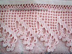 This would make a pretty edge for a pillow case, tablecloth, or dresser scarf. Crochet Edging Patterns, Crochet Lace Edging, Crochet Hook Set, Crochet Borders, Crochet Trim, Crochet Curtains, Crochet Quilt, Filet Crochet, Crochet Yarn