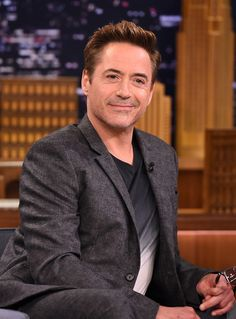 Robert Downey Jr. Photos - Robert Downey Jr. Visits 'The Tonight Show Starring Jimmy Fallon' - Zimbio