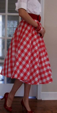 Pinup Fashion: Cotton Circle Skirt - Gingham Skirt - Picnic Skirt - Gingham Retro - - Five Color Options - red - lime green - hot pink - aqua - navy Gingham Skirt, Red Gingham, Retro Outfits, Vintage Outfits, Cute Outfits, Skirt Outfits, Dress Skirt, Dress Red, Robes Pin Up