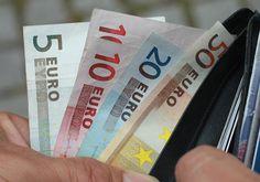 Se tiver 20 anos, temos boas notícias para si. Basta pôr de parte 2 euros, religiosamente, todos os dias, para chegar à reforma com perto de 1 milhão de euros