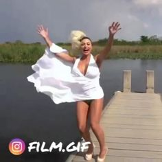 Tom Ford Dress, Wind Skirt, Flowing Dresses, Gone With The Wind, It's Windy, White Dress, Beautiful Women, Ballet Skirt, Cloaks