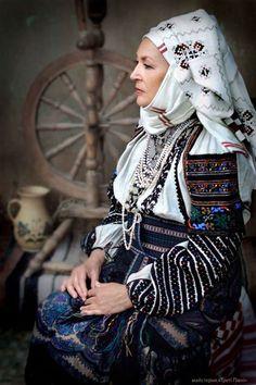 E Women 821 Ukrain