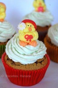 Cupcakes aux pistaches fourrés à la fraise