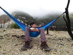 nikmatin liburan alakadarnya di alam bener bener luar biasa serunya  #hammock #solohammockers #hammocklife #hammockersindonesia #pendakigunung #pendakiindonesia #pendakiindonesia #jejakpendaki #jalansantai #penikmatalam #indonesiatraveler #mountainesia #idpendaki #kuyhateamtraveler #rei #exploregarut by @mahfudsulton