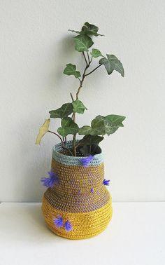 Basket vase by pompomdesign