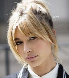 By now it's no secret that curtain bangs are officially on trend (Hailey Baldwin with a curtain fringe) # Hairstyles mittellang rundes gesicht Hairstylists reveal the ultimate hair trends for Autumn and Winter Hailey Baldwin, Blonde Haircut, Long Bob Haircut With Bangs, Blonde Hair With Bangs, Short Blonde, Medium Haircuts With Bangs, Blonde Brunette, Medium Hair Styles, Short Hair Styles