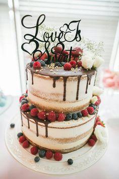 Wedding cake Cupcake Wedding, Wedding Cakes With Cupcakes, Wedding Desserts, Naked Cake, Brownie Cake, Unique Cakes, Drip Cakes, Cake Designs, Birthday Cakes