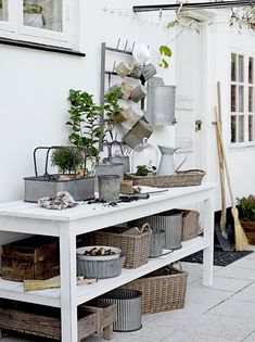 Potting Bench - With Great Baskets And Bins - Via Lilla Villa Vita: Redo For Vr Deco Boheme Chic, Greenhouse Shed, Potting Tables, Potting Sheds, Garden Styles, Interiores Design, Outdoor Living, Pergola, Sweet Home