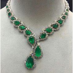 Stunning Emeralds & Diamonds Necklace.