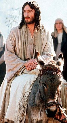 Did Jesus REALLY stay in England? A new film claims he built a church in Somerset and learnt maths from the Druids Christian Movies, Christian Art, Immaculée Conception, Sainte Therese, Bibel Journal, Pictures Of Jesus Christ, Jesus Christ Superstar, Jesus Art, Holy Week