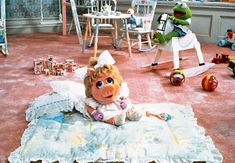 23 Ways Miss Piggy Is The Reigning Queen Of Awesome Miss Piggy, Muppet Babys, Die Muppets, Fairy Tale Story Book, Frank Oz, Abc Games, Kermit The Frog, Jim Henson, Movie Mistakes