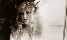 an informative, lengthy article on Stevie ~ ☆♥❤♥☆ ~   photo by Chris Walter, 1981