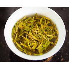 2020 Shifeng Longjing/Dragonwell Green Tea - AA Grade Pre-Ming via @bitterleafteas  Spring in a cup! Such an intense fragrance, wonderful texture, and for me, the start of the season of new teas. Teas, Japchae, Fragrance, Texture, Spring, Ethnic Recipes, Green, Food, Surface Finish