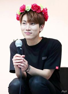 BTOB 비투비 Eunkwang - that smile. love you bae Yongin, Yook Sungjae, Minhyuk, Btob Changsub, Im Hyun Sik, Website Maintenance, Fandom, Search Engine Marketing, Korean Star
