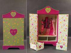 Armoire poupee en cartonnage baby-doll atelier de l'oncle Pol Doll Toys, Baby Dolls, Cardboard Organizer, Accessoires Barbie, Diy And Crafts, Paper Crafts, Craft Station, Art Plastique, Barbie Clothes
