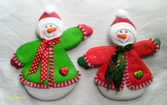 Muñecos de Nieve imantados para decorar la nevera, elaborados con foamy.