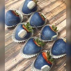 Denim and Diamonds themed strawberry strawberries 💙💎💙. 40th Birthday Celebration Ideas, 40th Birthday Parties, Sweet 16 Birthday, 35th Birthday, Birthday Ideas, Diamond Cake, Diamond Theme, Diamond Party, Denim Baby Shower