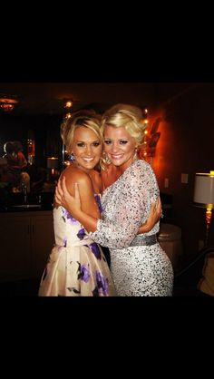 Beautiful Lauren & Carrie Underwood