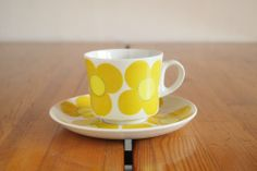 ARABIA YELLOW AURINKO Coffee Cups And Saucers, Cup And Saucer, Form Design, Design Model, Vintage Kitchen, Retro Vintage, Color Shapes, Colour, Koti