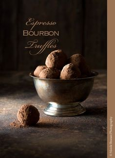 These dark and rich espresso Bourbon truffles are made with bittersweet chocolate that is flavored with espresso, vanilla and Bourbon. Delicious Chocolate, Chocolate Flavors, Chocolate Recipes, Chocolate Bourbon, Chocolate Truffles, Bailey Truffles, Chocolate Espresso, Espresso Coffee, Chocolate Brownies