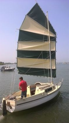 Junk rigged Yacht