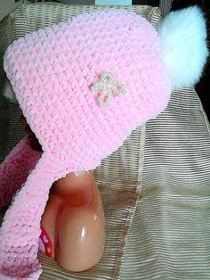 Superweiche rosa Mütze mit integriertem Schal und Bommel