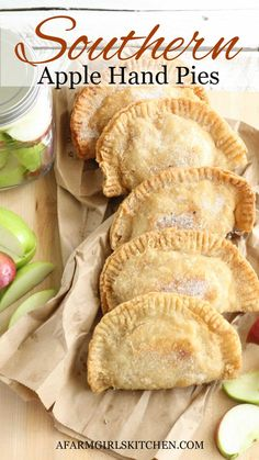 Fried Apple Pies, Apple Hand Pies, Fried Apples, Homemade Pie Crusts, Homemade Apple Pies, Homemade Crepes, Donuts, Cooking Recipes, Healthy Recipes
