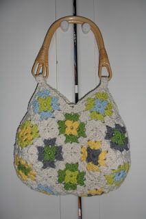 french-patchworker: My granny squares crochet bag