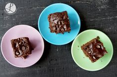 Vegan Avocado Brownies by www.livelifenutrition.net #bowl #smoothiebowl #vegan #veganbrownie #chocolate #brownie #brownies #vegan #vegano #vegetariano #tofu #veggies #healthy #recipe #smoothies #nike #training