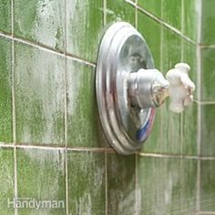 How To Remove Water Stains - great tips on how to remove rust & stains your water leaves behind.