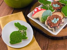 How to create a realistic moss effect on cookies- This tutorial by Mike at Semi Sweet is Awesome and I can't wait to try it.
