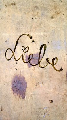 liebe. I want this in a tattoo