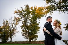 Sedinta foto de dupa nunta tip trash the dress in Cheile Dobrogei. Culorile toamnei surprinse in fotografie Weddings, Couple Photos, Couples, Tips, Dress, Couple Shots, Dresses, Wedding, Couple Photography