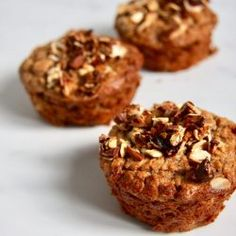 Bagt havregrød muffins med banan | Morgenmad | Food Salute Vegetarian Recipes, Healthy Recipes, Muesli, Brunch Recipes, Brunch Food, Baking Recipes, Peanut Butter, Food And Drink, Low Carb