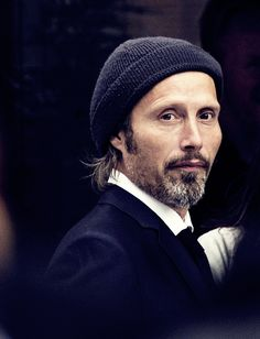 Mads Mikkelsen. Love this photo 💋💋💛💛