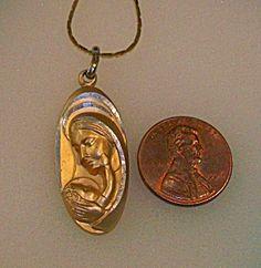 Madonna and Child Necklace Pendant Vintage Germany (Image1)