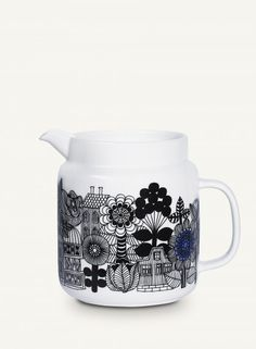 Create a unique dining experience for every occasion with Marimekko ceramic dinnerware or colorful glassware. Marimekko, Kitsch, Empire, Shops, Glass Jug, Pottery Designs, Vintage Dishes, Look At You, Beautiful Gifts