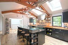 Resultado de imagem para black industrial kitchen