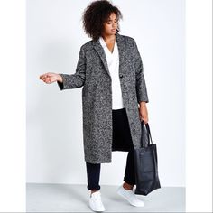 athleisure done right || Elvi tweed coat + universal standard cambria top + yoga jeans skinny + 8.6.4 design tote . . . #coverstorynyc #athleisure #tuesday #curvyfashionista #universalstandard #elvi  #864design #yogajeans #plussizefashion #plussize #curvygirl #curves #plusmodel