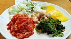 한식부페, Buffet in Korean food Yeah~ Korean style of buffet !!! Which one do you want among five side dishs(Banchan)?   김치, Kimchi,  미나리 무침, seasoned water parsley 마늘 장아찌, Pickled garlic 샐러드, Salad 단무지, Pickled yellow radish  I liked the kimchi most. It was well fermented and very very sour =D   #buffet #Koreanfood