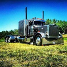Sweet 359 ex hood Show Trucks, Big Rig Trucks, Old Trucks, Peterbilt 359, Peterbilt Trucks, Custom Big Rigs, Custom Trucks, Truck Quotes, Ranger